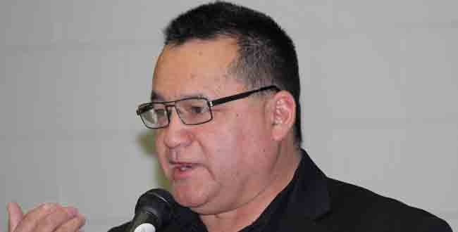 Grand Council Chief Patrick Madahbee speaks to participants at the Anishinabek Education Symposium April 23.  – Photo by Marci Becking