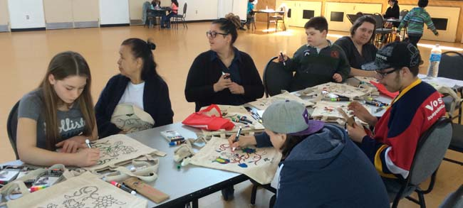 Mississaugas of Scugog Family Wellness Day saw participants make their own feast bags.