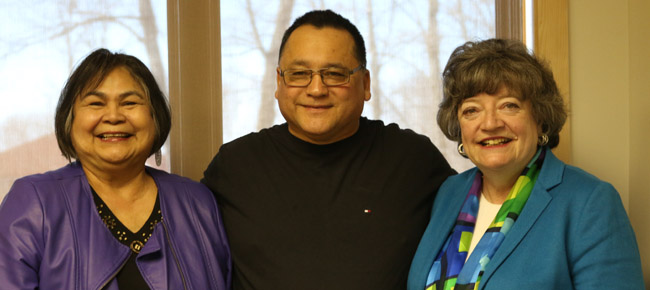Bencher Susan Hare from M'Chigeeng First Nation, Grand Council Chief Patrick Madahbee and Law Society treasurer Janet Minor met Union of Ontario Indians staff to discuss access to justice issues in the Anishinabek Nation territory.