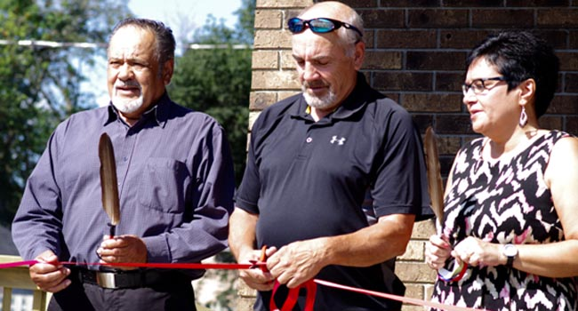 Red Rock Indian Band Councillor Omer Belisle, Chief Pierre Pelletier and Dilico Anishinabek Family Care executive director Darcia Borg recently opened Dilico's new office to serve the needs of people in Thunder Bay's downtown core.
