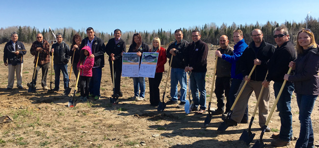 Groundbreaking ceremony on Fort William First Nation for new housing development.